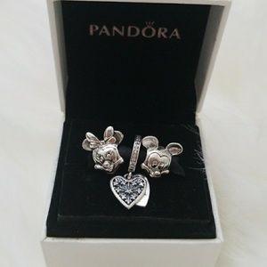 Pandora Disney couple set